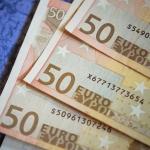 Geld lenen zonder bank: 3 voordelen